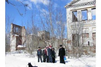 Главный дом усадьбы. Вид от реки Ока. 2005 год.