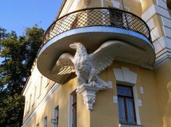 Консоль в виде орла под балконом.  2008 г.