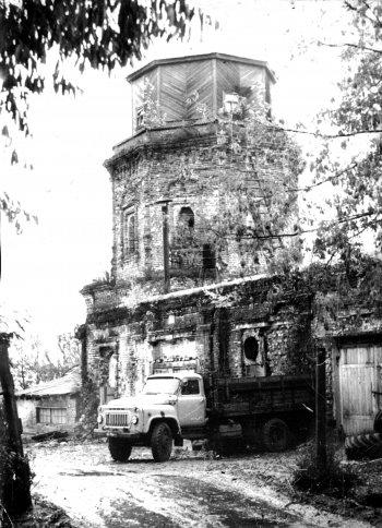 Костино. Богоявленская церковь. 1987 год.
