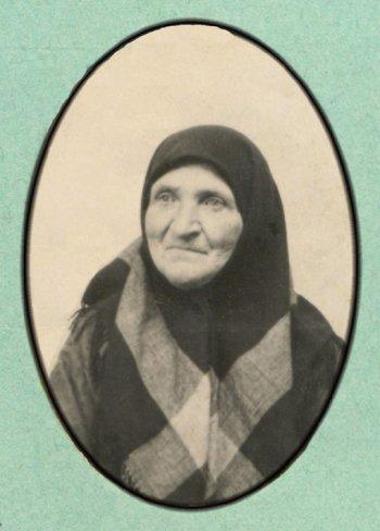 Александра Михайловна Рябцева, в замужестве Волохова (1928 г.)