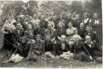 Кротков Сергей Дмитриевич вместе со своим хором северной песни, 1956-57 год.