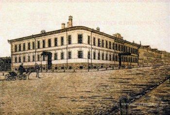 Здание 2-й Мужской гимназии: парадный вход справа — для учителей; левый вход — для гимназистов. Перекресток Астраханской и Николодворянской улиц.