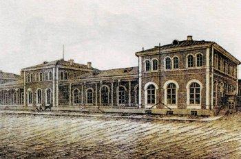 Вокзал Московско-Рязанской железной дороги (вокзал Рязань-I). Здание построено в 60-е годы XIX века. Частично разрушено во время бомбардировки осенью 1941 года и перестроено в современный вокзал в начале 1960-х годов.