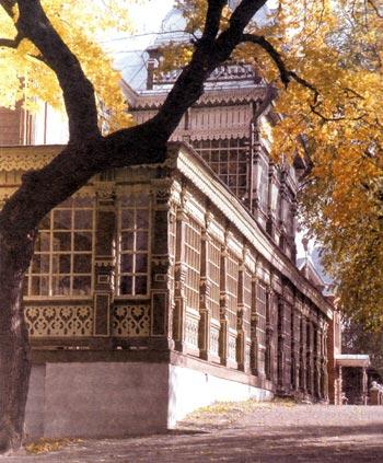 Летний клуб Благородного (Дворянского) собрания в городском саду. Построен в 1905 году. Современное состояние.