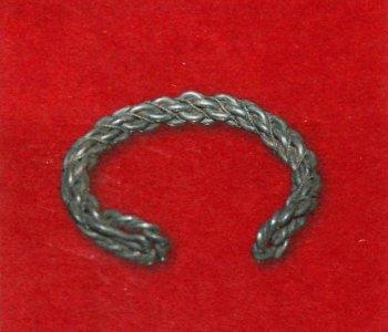 Серебряный браслет, XII век.